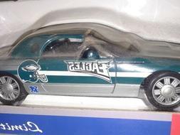NFL Philadelphia Eagles 2002 Ford Thunderbird 1:24 Scale Die